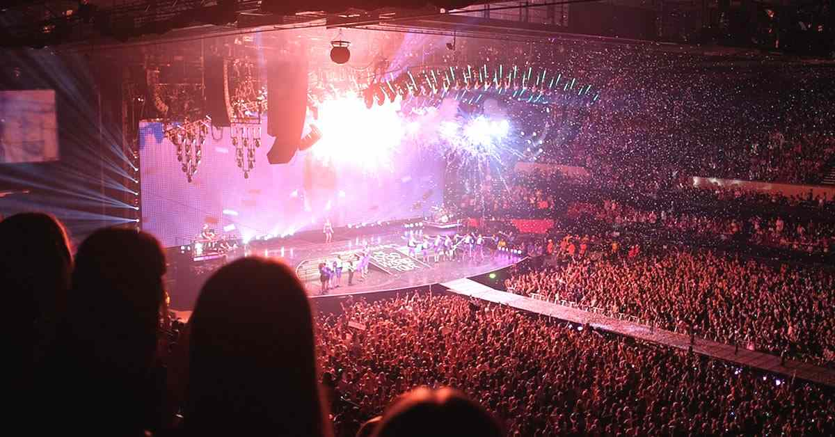 historia de la música pop internacional y en español